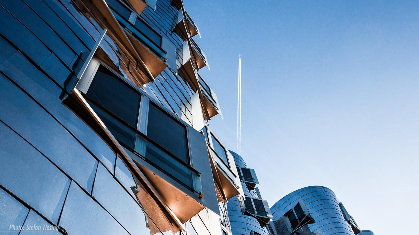 Blue Sky Fly (Gehry-Bauten Düsseldorf)