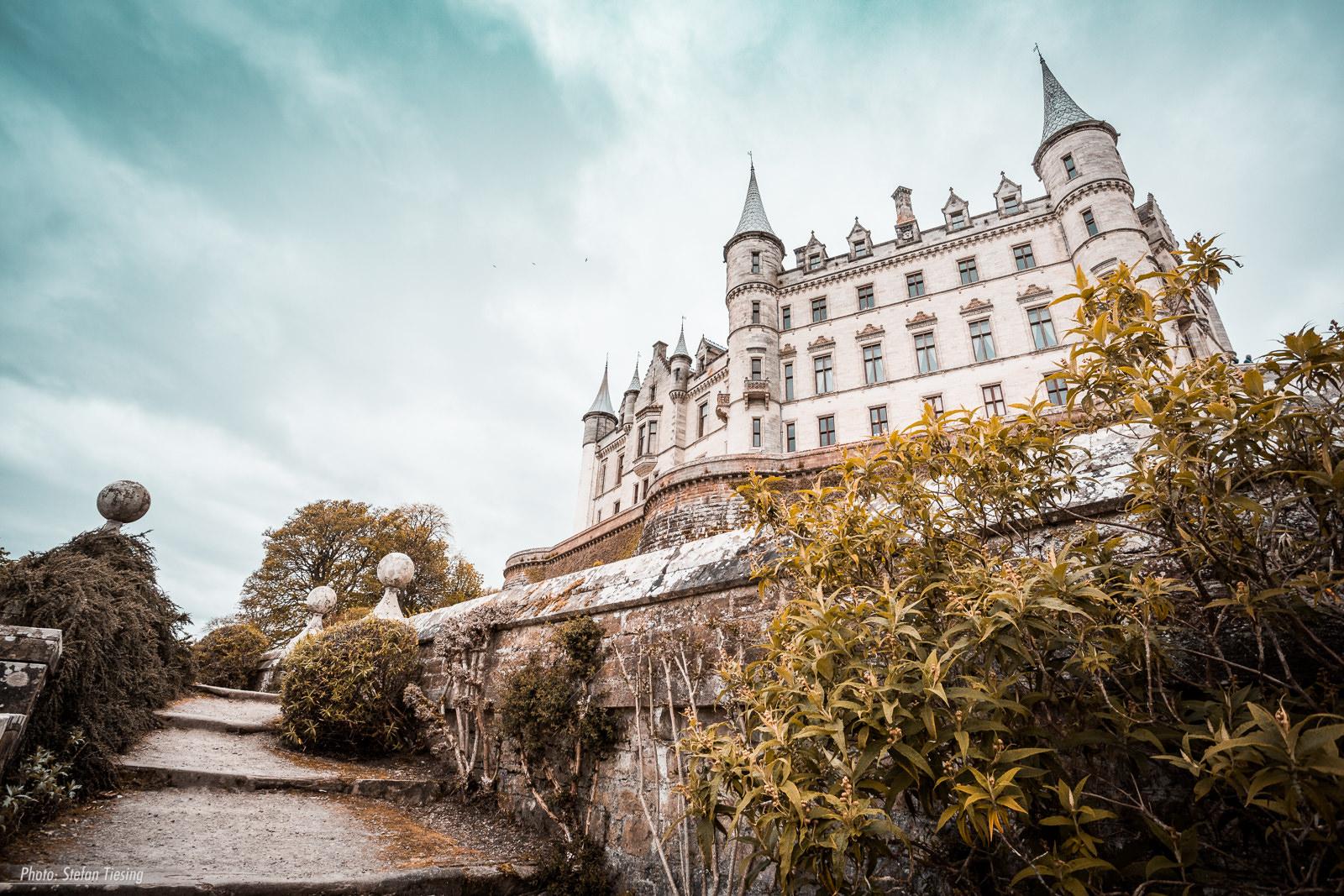 Look up Dunrobin Castle