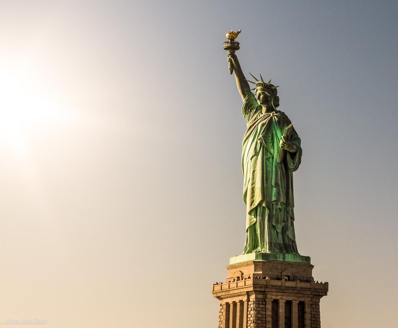 Burn, burn, burn (Statue of Liberty)
