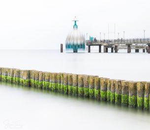 Tauchgondel an der Seebrücke Zingst als Langzeitbelichtung