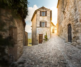 Old Boulangerie in Lacoste, Provence, France