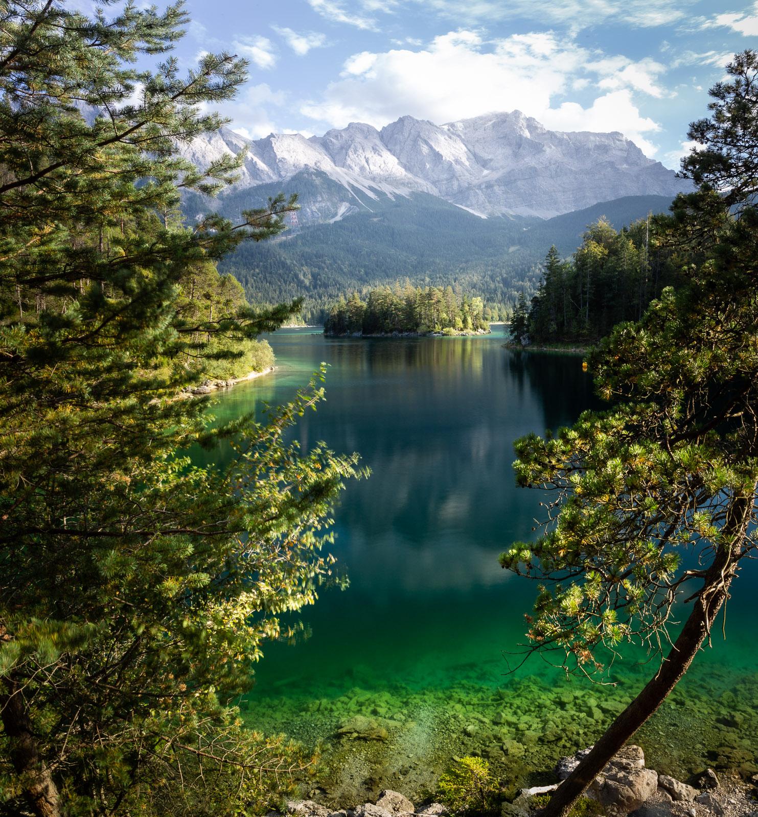 Grünes Wasser im Eibsee